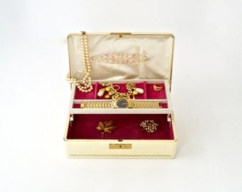 RESERVED for RENEE........Jewelry Box Vintage FARRINGTON Lockable Jewelry Chest Ecru Brass and Hot Pink