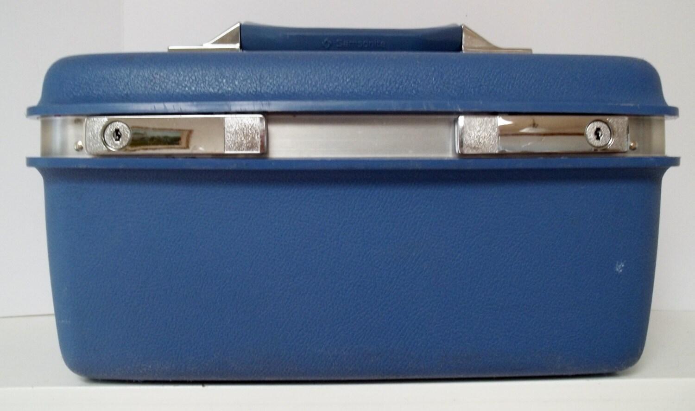 on sale vintage hardside samsonite train case luggage. Black Bedroom Furniture Sets. Home Design Ideas