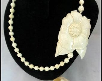 Vintage Catalin Necklace and Bracelet