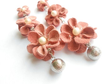 Pearls & Pink leather earrings / Pink leather flower earrings / Pink leather earrings / pink flower earrings / Long leather earrings