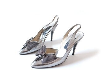 Silver shoes, silver heels, silver pumps, grey heels, vintage shoes, bow, high heel, Stuart weitzman, size 9, size 85