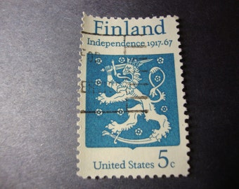 SALE - 1967 U.S. Stamp - Finland Independence (1917) - Scott # 1334 - Coat of Arms - Crowned Lion - Vintage United States Postage - 5 Cents