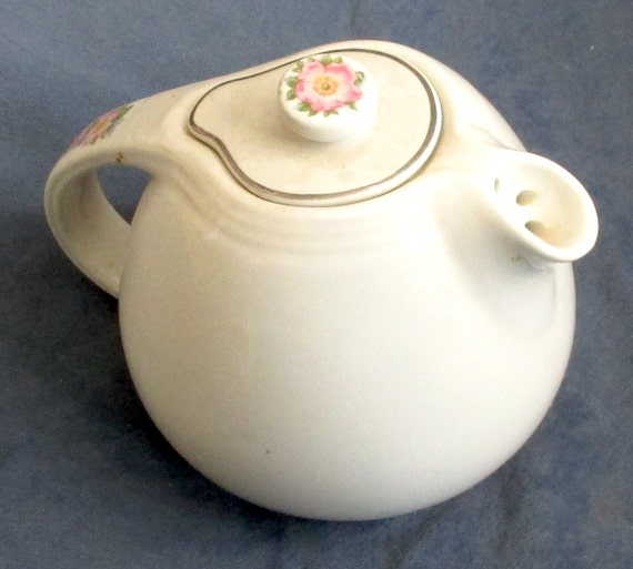Hall kitchenware white rose teapot for Decor8 crack