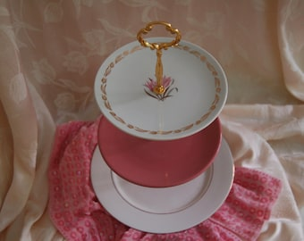 Stunning in Pink and White with Gold 3 Tiered Tea Stand/Cake Tray/Serving Plates/Cupcake Stand. WEDDING!Perfect for birthdays(F268)
