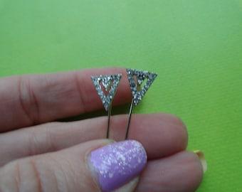 Crystal triangle spike   pin earring
