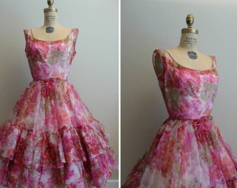 Heavenly Vintage 50s/60s chiffon floral party dress.