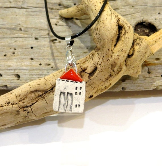 Mini Ceramic House Necklace, Unique, House with a flower, handmade ceramic, OOAK, Adorable Gift, handmade