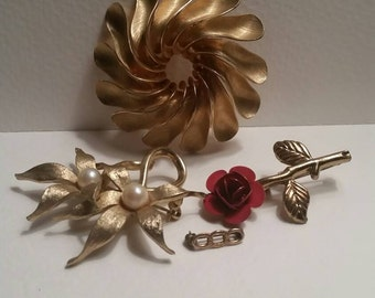 Floral Brooch Collection II / gold tone