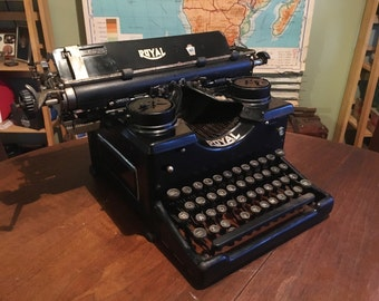 Lovely Antique 1920s Royal 10 Typewriter with Glass Panels and Glass Keys - Display Item