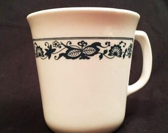 Corning Old Town Blue mug