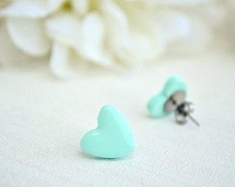 Green mint heart earrings - Studs earrings