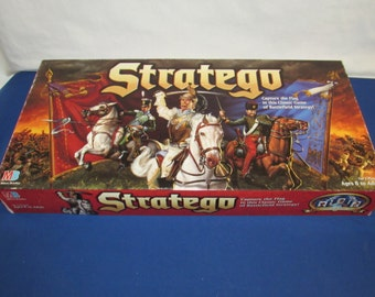 STRATEGO 1996 Milton Bradley Fascinating Two-Player Strategy Game