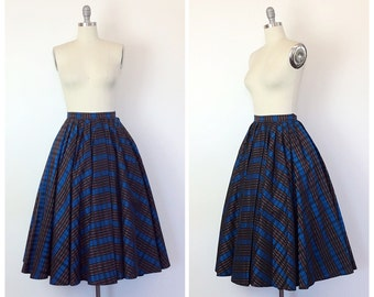 50s Blue & Red Plaid Party Circle Skirt / 1950s Vintage Holiday Full Skirt / Small / 25 inch waist