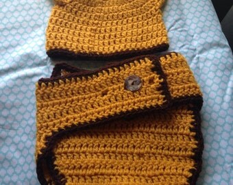 3-6 month giraffe hat and diaper cover set