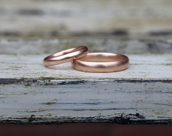 Rose gold wedding band set, red gold wedding ring set