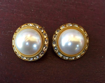 Demure vintage pearl and rhinestone earrings