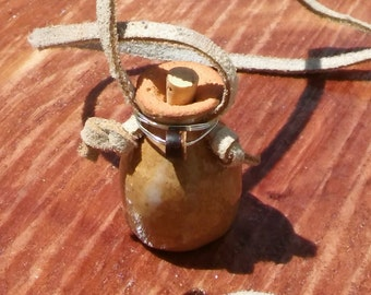 Essential oil diffuser pot necklace - tan with blue bottom