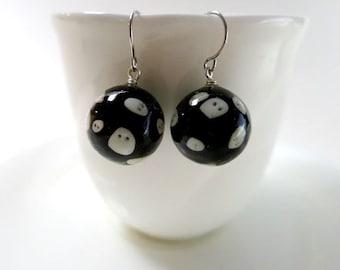 Floating Ghost Earrings Halloween Jewelry Black Ball Resin Jewelry Tiny Ghost Ball Earrings Halloween Gift Ghost Black Resin