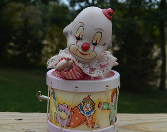 """SALE - Vintage Clown Music Box Made In Tawain Which Plays  """"Send In The Clowns """""""