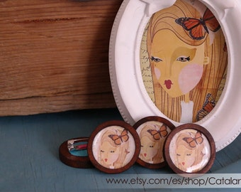Madama Butterfly illustrated brooch - Wooden cameo with drawing