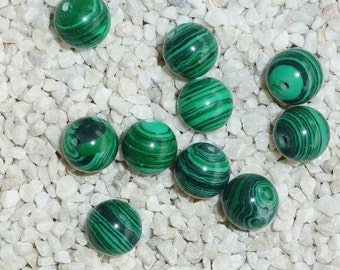 D-01636 - 10 Malachite beads 10mm (syntetic)