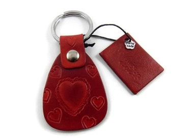 Leather key ring, red key ring, key chain, red key ring, red key chain, key fob, heart key chain, leather key fob, cuirsetcompagnie