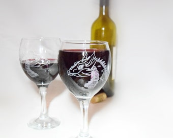 Mother of dragons, Dragon wine glass, Dragon Wine glasses, Khaleesi, Game of thrones Wine glass, Etched wine glass set of 2