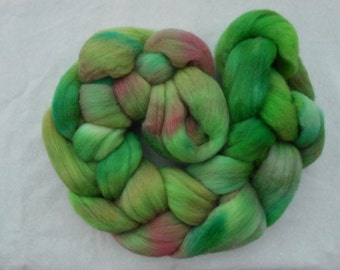 Hand Dyed Super-Wash Merino Top 100g, Greens and Pinks