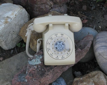 Vintage 1970s-80s Golden Tan Rotary Dial Desk Telephone/ Table Telephone/ Tan Working Dial Phone/Land Line Phone/ Western Electric Phone