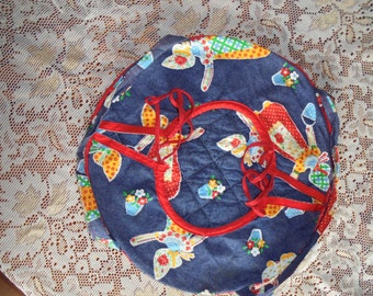 Casserole Cover/Carrier/Warmer, Round, Quilted Fabric, Denim with Calico Miss, Cottage Chic, Potluck, Wedding Shower, Housewarming Gift