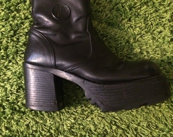 90s Chunky Leather Platform Boots