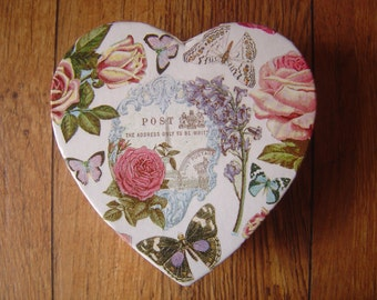 Decorative Trinket  / Jewellery / Memory Box Decoupage Vintage PostCard Design/ Roses and Flowers
