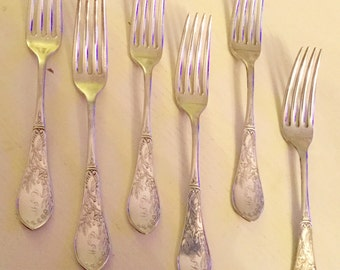 Set of 6 vintage Rogers Bros. 1847 silver plate dinner forks in Lily pattern