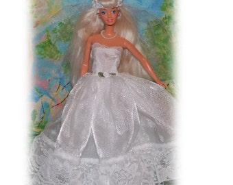 """Fits like a Barbie Wedding Dress on 11.5"""" Fashion Dolls. Princess Wedding Dress - Floor Length Chiffon Wedding Gown &  Veil"""
