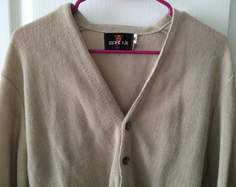 Vintage Cardigan Sweater - SKM brand (Seattle Knitting Mills) - acrylic blend - beige color - medium size - excellent used condition