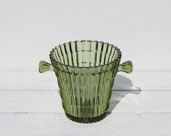 Vintage Little Ice Holder in green carved glass. Crystal ice bucket from the 1960s