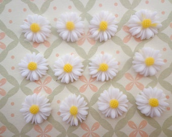 Flower Cabochons Resin Flowers 50pcs White Color Resin Sunflower Charms--14mm