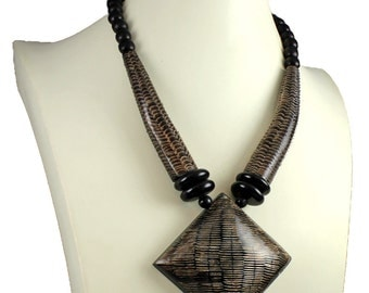 Natural buffalo horn tribal style brown colour oversized big pendant wood bead choker necklace
