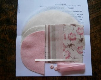 Sew it Yourself Needlecase Kit/Craft Kit/Sewing/Christmas Gift. Pink.
