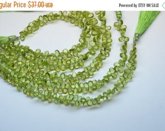 """35%Dis 8"""" Strand 6-8mm Natural Peridot Faceted Pear Shape Briolette Beads Strand-65 Beads"""