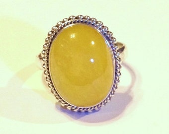 ON SALE - Yellow Jade Oval Cabochon Sterling Silver Ring - Size 7