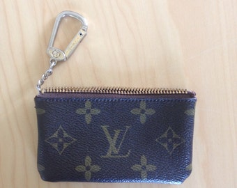 LV Louis Vuitton Key Fob Pouch Key Holder Chain AS IS