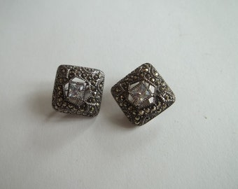 "Vintage STERLING silver clip on earrings, 8.7g weight,clear stone,marcasite,great cnd,5/8"" squares"