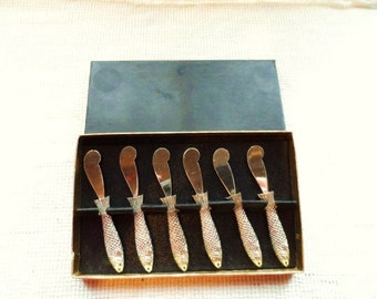 Ornate FISH Handled Lunch Butter Spread Knife Set- Boxed Set of 6 Vintage Butter Knives- Unique Fish Handles- Old & Unusual Boxed Setting