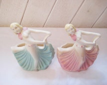 Pair of art deco palnter, Lady planter, 30s 40s, pink blue, USA pottery, decorative planter, shabby cottage chic decor, Hull planters