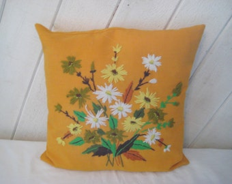 Vintage embroidered pillow, daisy pillow, orange, green, yellow, fall autumn pillow, decorative pillow,  1011
