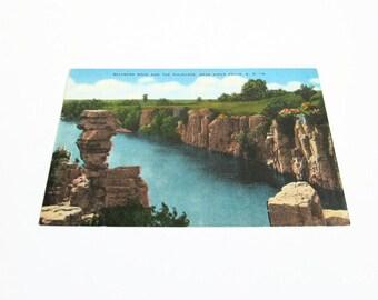 Vintage Postcard, Balanced Rock The Palisades Sioux Falls SD Linen Postcard D-4 E C Kropp South Dakota Travel Souvenir Pc Standard Post Card