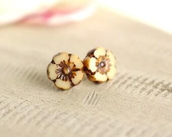 Caramel Bloom Earrings - Sterling Silver flower studs