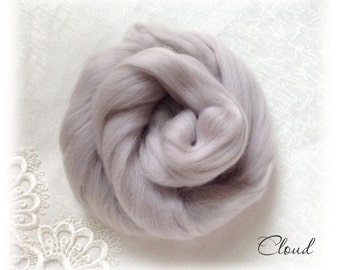 Extrafine Merino WOOL Dyed TOPS  19 Microns color Cloud per 25 gr felting spinning teddy bear making supplies