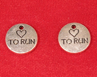 """5pc """"love to run"""" charms in antique silver style (BC925)"""